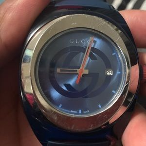 UNISEX Gucci watch